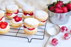 strawberry shortcake lindor lindt