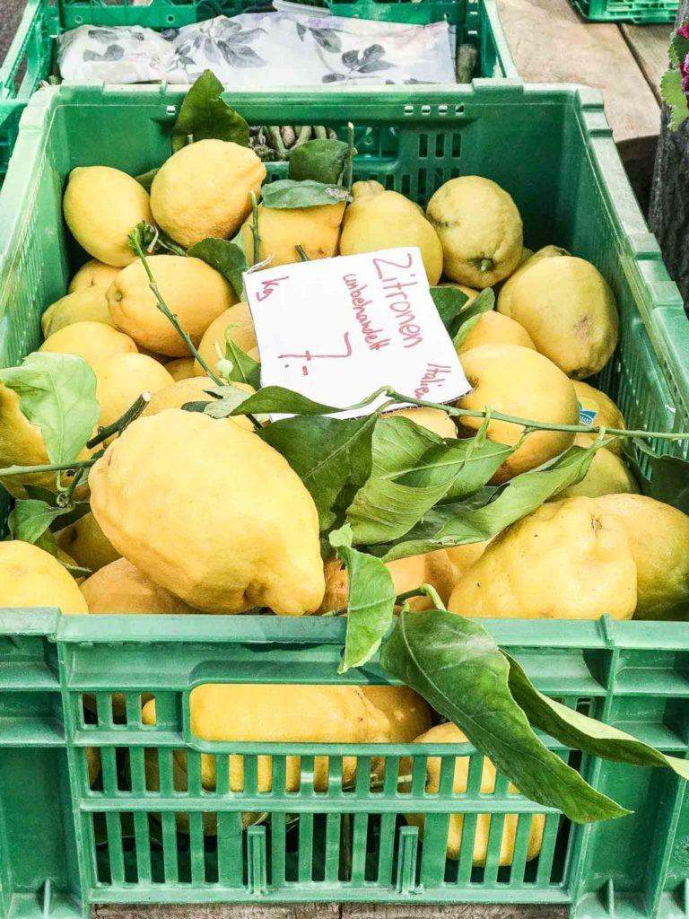 organic lemons at farmers market