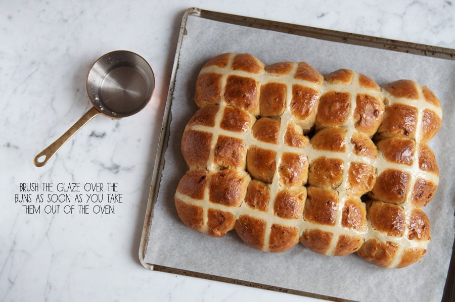 hot cross buns on baking tray