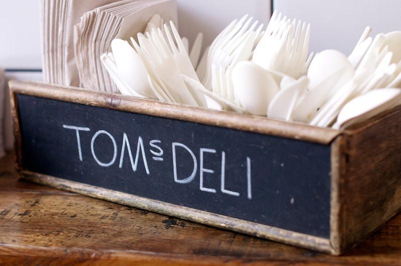 toms-deli-4
