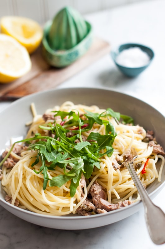 Spaghetti with Tuna, Chilli, Rocket & Lemon with lemon juicer