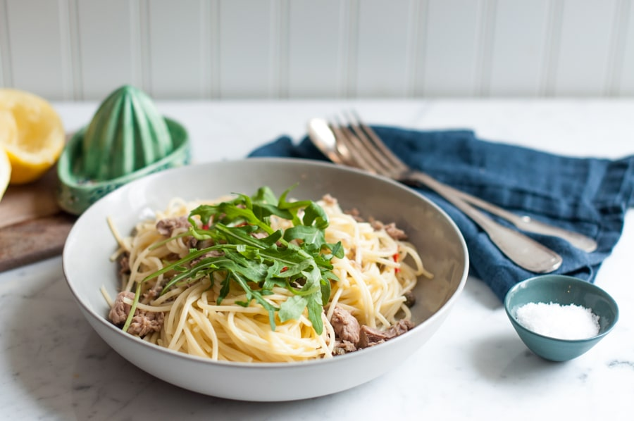 Spaghetti with Tuna, Chilli, Rocket & Lemon in bowl