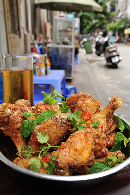 {Crispy Chicken Wings with Fish Sauce}