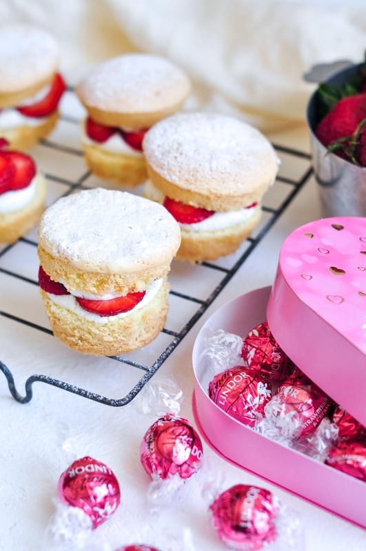 strawberry shortcake cakes with lindt lindor truffles