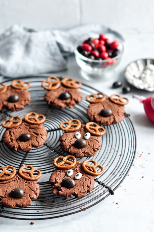 reindeer cookies with candy eyes