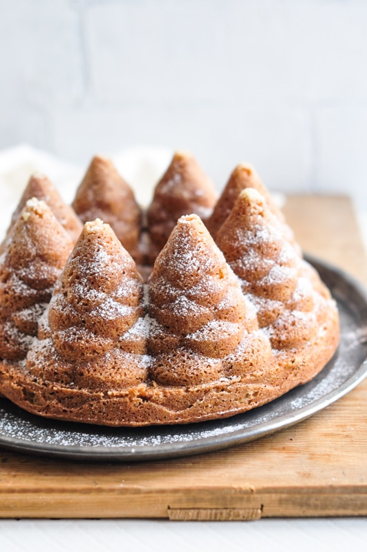 gingerbread christmas tree bundt cake with icing sugar
