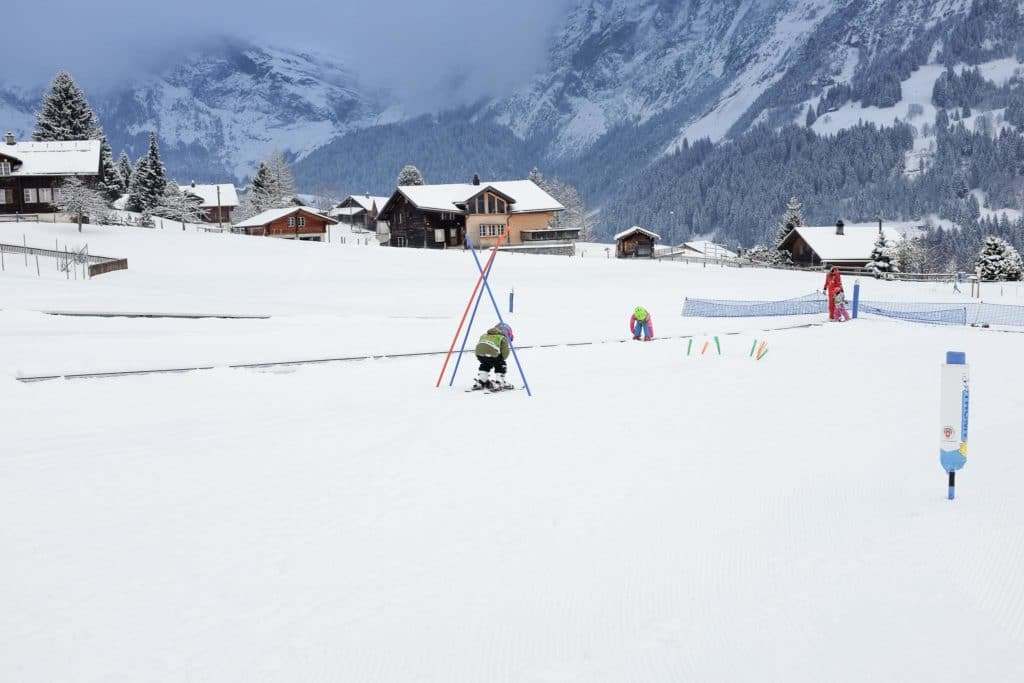 beginner skiing lessons at bodmi grindelwald