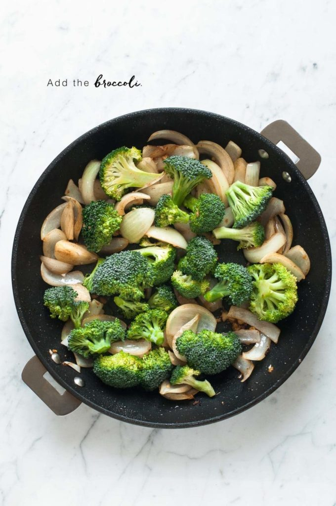 how to make pad see ew, stir-fried broccoli, onions and garlic in non-stick pan